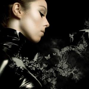 A 16 karakteres üzenet mellett ez a fotó látható az énekesnő oldalán - Kozma Orsi