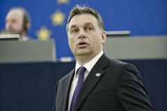 Sajnálom, hogy Önöket ilyen rútul rászedték és becsapták - jelentette ki Orbán Viktor Strasbourgban a médiatörvénnyel kapcsolatban.