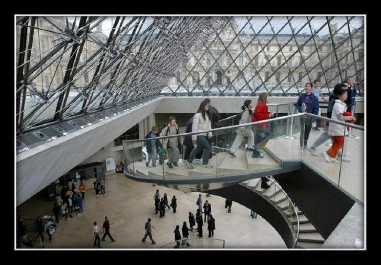 The Louvre became one of the world's largest and most popular art galleries and museums