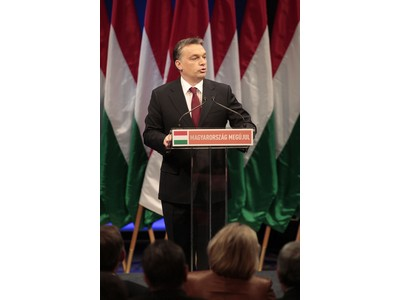 Orbán: Köntörfalazás nélkül kell beszélnünk a jövőről
