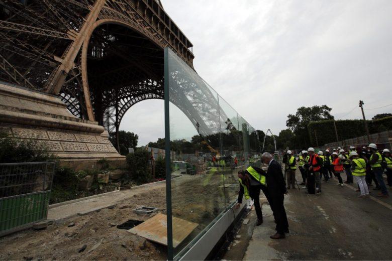 1396158_France_Eiffel_Tower_Secu12-1024x683