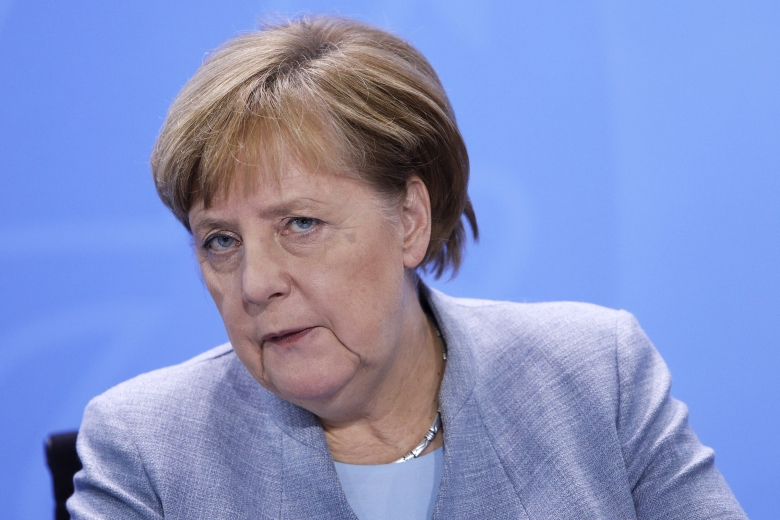 Merkel Meets With Mayors Over Air Pollution