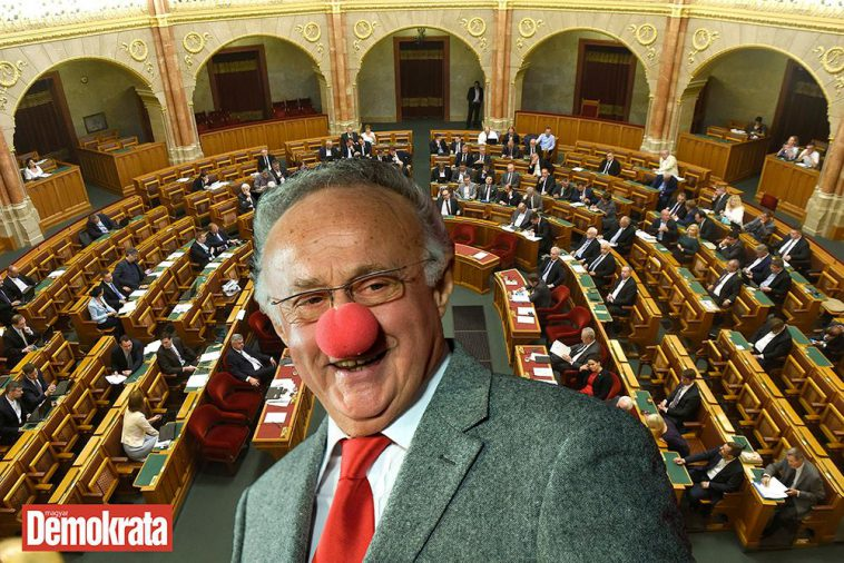 Az-ellenzék-Sas-kabarét-csinál-az-Országgyűlésből-Demokrata-758x506.jpg