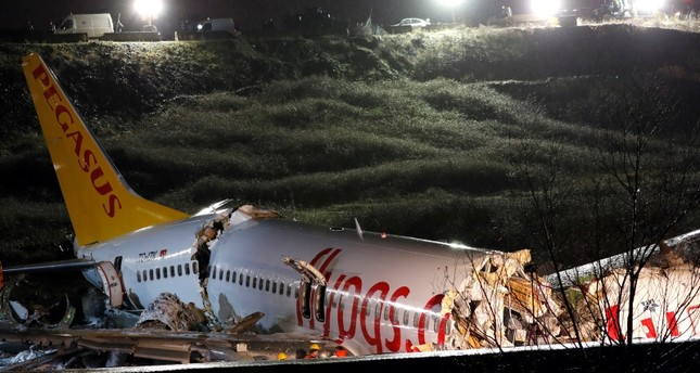645x344-plane-catches-fire-after-veering-off-runway-at-istanbuls-sabiha-gokcen-airport-1580923598109.jpg